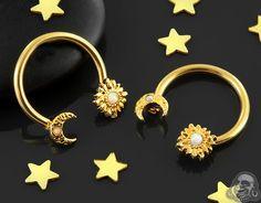 Moon and Sun Circular Barbell – Piercings Septum Piercing Jewelry, Cool Piercings, Nose Jewelry, Septum Piercings, Barbell Piercing, Jewellery, Tragus, Septum Ring, Piercing Smiley