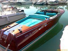 "The ""New Batman"" Riva Aquarama Tunis Boats Yachts Boating - Boat Design Net Gallery"