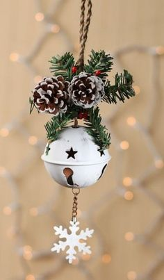 Christmas is near our house, and we need to prepare something for this special day. Try to do these 16 contemporary Christmas Tree Decoration. Christmas Jingles, Christmas Crafts For Kids, Christmas Bells, Diy Christmas Ornaments, Rustic Christmas, Christmas Projects, Winter Christmas, Holiday Crafts, Christmas Ideas