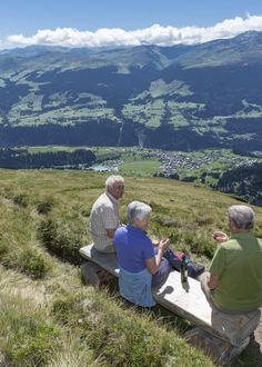 Wandern in Brigels. Foto: nordlichtphoto.com Mountains, Travel, Pictures, Families, Tours, Hiking, Summer Recipes, Viajes, Trips