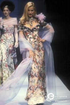 christian lacroix - Search Results - Europeana Collections Unique Fashion, Fashion Art, Editorial Fashion, Fashion Show, Vintage Fashion, Fashion Design, Christian Lacroix, 80s And 90s Fashion, High Fashion