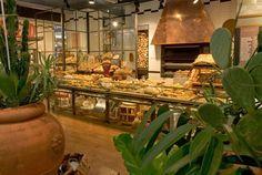 COSTA GROUP srl, si occupa di progettazione e arredamento di ristoranti e bar, realizzando il design dell'arredamento di negozi e locali pubblici situati in alcuni dei luoghi più suggestivi, in tutto il mondo.