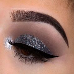 """4e0ee3e58c0 Chelsea Tresidder on Instagram: """"Details of my Blue grey sparkle eye for  the New Years Eve collab with @facedbynatalie ✨✨✨ Brows:  @anastasiabeverlyhills ..."""