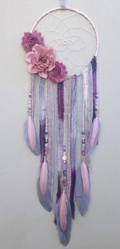 Flower dream catcher by Inspired Soul Shop on Etsy. Dreamcatcher decor is beautiful for any bedroom, nursery, or living space. This flower boho Dream Catcher Craft, Dream Catchers, Purple Dream Catcher, Dream Catcher Nursery, Dream Catcher Boho, Los Dreamcatchers, Craft Projects, Projects To Try, Diy And Crafts