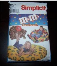 M&M's Simplicity 9007 Vintage Pattern Pattern is new and uncut Sewing patterns to make an armchair, beanbag chair and 60 floor pillow.