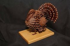 There is no Christmas atmosphere without pine cone creations. The pine cone symbol is one of the most mysterious emblems found in ancient art. Thanksgiving Crafts, Fall Crafts, Halloween Crafts, Holiday Crafts, Diy And Crafts, Arts And Crafts, Pine Cone Art, Pine Cone Crafts, Pine Cones