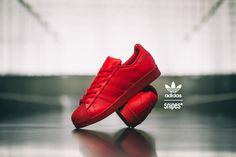 Du stehst auf Sneaker-Klassiker in modernen Colorways? Dann ist der neue Superstar von adidas in seinem feurigen All Red Colorway genau der richtige Sneaker für dich! Ab sofort exklusiv im SNIPES Onlineshop sowie in unseren Stores erhältlich. Artikelnr.: 1004162 Sizerun: 36 2/3-47 1/3 Preis: 89,99 Euro #snipes #snipesknows #snipescom #adidas #superstar #allred #allredeverything