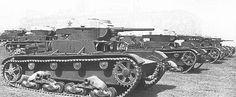 Советский легкий танк Т-26 обр. 1933 г на маневрах