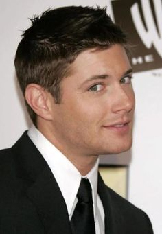 Jensen Ackles Photos of Jensen Ackles, Jared And Jensen, Danneel Ackles, Smallville, Dean Winchester, Winchester Brothers, Look At You, How To Look Better, Gorgeous Men