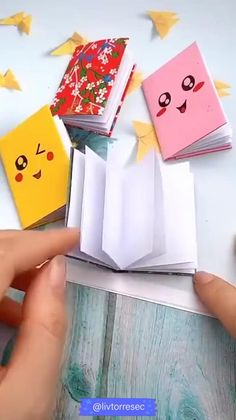 Cool Paper Crafts, Paper Crafts Origami, Diy Crafts For Gifts, Diy Arts And Crafts, Creative Crafts, Diy Paper, Fun Crafts, Oragami, Origami Books