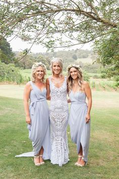 Non-Traditional Melbourne Winery Wedding - Style Me Pretty jane hill Blue Bridesmaid Dresses, Bridesmaids And Groomsmen, Wedding Bridesmaids, Wedding Gowns, Bridesmaid Dresses Australia, Wedding Dresses Australia, Lavender Bridesmaid, Wedding Photography Poses, Milk Photography