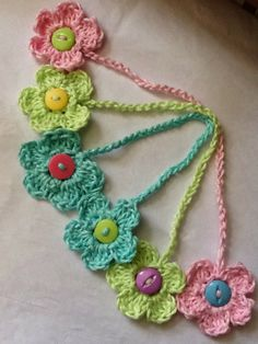 "The ""Crochet Flower Bookmark"" ~ free pattern"