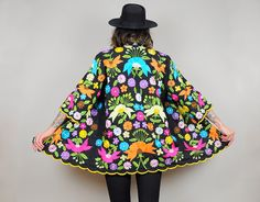 bold FLORAL embroidered ethnic 70's black by NOIROHIOVINTAGE