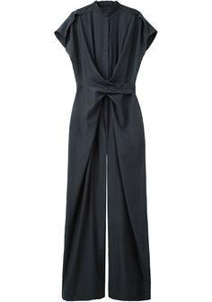 Christian Wijnants / Oulu Jumpsuit Love it! Mode Monochrome, Jumpsuit Elegante, Christian Wijnants, Mode Hijab, Jumpsuits For Women, Minimalist Fashion, Capsule Wardrobe, Passion For Fashion, Ready To Wear