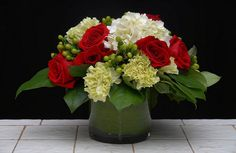 WHAT A FIND-Fun With White Hydrangea from   Rittners Floral School, Boston, MA. www.floralschool.com www.facebook.com/floralschool
