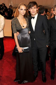 2011 - Cara Delevingne & Douglas Booth in Burberry