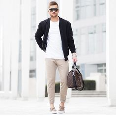 @streetfashionchannel  Tag @locamenstyle on your pics for your chance to get featured  Contact admin: Angel Soukos  Follow: @Locavid.a Follow: @doctors_ig  #fashion#style#stylish#jacket#menshair#shirt#instalifo#handsome#polo#dapper#guy#boy#man#model#tshirt#shoes#menswear#mensfashion#jeans#suit#menstyle#dapperman#streetphotography#estilo#moda#fashiontrends #styleblog #fashionblog #fashionblogger #blogger