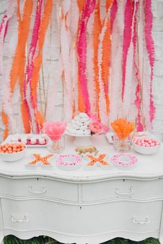 Luxe Circus Sip and See Baby Shower - Kara's Party Ideas - The Place for All Things Party Animal Cracker Favors, Shower Party, Bridal Shower, Wedding Showers, Boy Shower, Circus Baby, Decoration Inspiration, Shower Inspiration, Wedding Inspiration