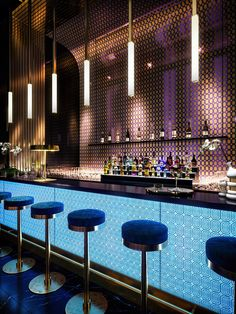 Interior Bar Design Glamorous and exciting bar decor needs matching lighting fixtures. Discover our collection of luxu Sport Bar Design, Design Club, Design Lounge, Design Bar Restaurant, Deco Restaurant, Hookah Lounge, Bar Lounge, Bar Interior Design, Cafe Design