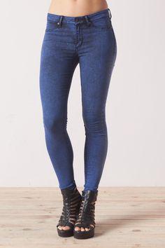 Jeans azules tiro medio super skinny Mid Spray by Cheap Monday - Denim Lovers - Trends