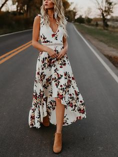 V-Neck Floral Printed Halter Dress Package: 1 piece Dresses Length: Long Neckline: V-Neck Material: Polyester Sleeve Length: Sleeveless Pattern Type: Floral Style: Casual Waistline: Natural Item Weight: 240 gram Backless Maxi Dresses, Maxi Dress Wedding, Sleeveless Dresses, Short Beach Dresses, Spring Dresses, Spring Outfits, 1 Piece Dress, Open Back Maxi Dress, Boho Dress