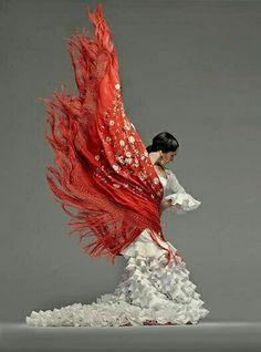 Arte del baile flamenco con el manton