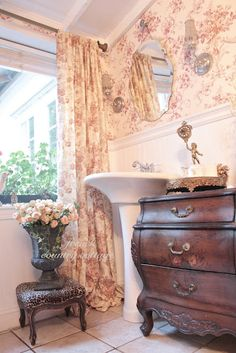 French Cottage Toile From: French Country Cottage, please visit Romantic Bathrooms, Beautiful Bathrooms, Country Bathrooms, Serene Bathroom, Farmhouse Bathrooms, French Country Cottage, French Country Style, French Farmhouse, Country Cottages
