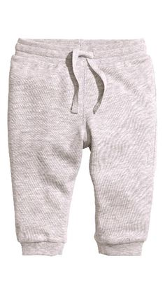 Soft sweatpants in organic cotton. Elasticized drawstring waistband and  ribbed hems. 4e7a804043