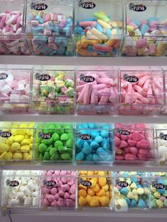 Japanese Candy, Japanese Sweets, Fini Candy, Cute Food, Yummy Food, Junk Food Snacks, Rainbow Food, Food Wallpaper, Chocolate Shop
