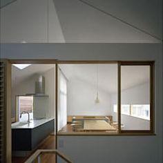 吉井の家: 柳瀬真澄建築設計工房 Masumi Yanase Architect Officeが手掛けたリビングです。