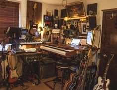 Home recording studio, all crammed together - Imgur