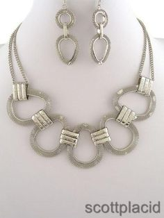 """CHUNKY 48MM LONG SILVER TONE NECKLACE SET    * If you need a necklace extender I have them for sale in my store.*          NECKLACE: 17"""" L + EXT    LOBSTER CLAW CLASP CLOSURE       HOOK EARRINGS           COLOR: SILVER TONE  $23.99"""