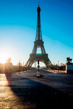 Sonnenaufgang am Eiffelturm