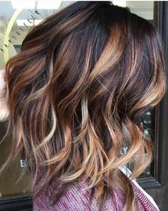 I wish I could style my hair like this.
