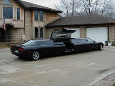 A beautiful Corvette stretch limo, would love to see the inside! I wonder how much it costs? Bill Gates Cars, Hummer Limousine, Black Limousine, Porsche 911, Bill Gates's House, Limousine Interior, Strange Cars, Weird Cars, Classic Corvette