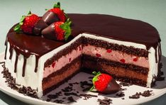 Η πιο νόστιμη συνταγή: Τούρτα πραλίνα με φράουλες! - Γεύση & Συνταγές - Athens magazine