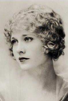 Esther Ralston - 1926 - Photo by Nickolas Muray