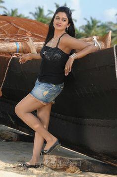 maharani_vimala_raman_hot_stills_pics_4962.jpg (700×1055)
