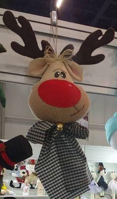 @ Christmas, reindeer, Rudolph, felt and felt, creative sewing Felt Christmas Decorations, Christmas Ornaments To Make, Christmas Makes, Felt Ornaments, Christmas Art, Christmas Projects, Christmas Holidays, Christmas Wreaths, Felt Crafts