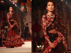 Amazon India Couture Week 2015: Varun Bahl's Flower Power - Boldsky