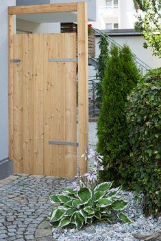 gartentor als sichtschutz gartentore durchg nge in 2018 pinterest garden garden fencing. Black Bedroom Furniture Sets. Home Design Ideas