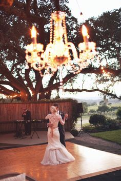 looove the chandelier outdoors.