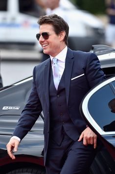 Tom Cruise Photos - Tom Cruise attends the Global Premiere of 'Mission: Impossible - Fallout' at Palais de Chaillot on July 2018 in Paris, France. - 'Mission: Impossible - Fallout' Global Premiere In Paris Tom Cruise Short, Tom Cruise Smile, Mission Impossible Fallout, Celebrity Dads, Celebrity Style, My Tom, Sharp Dressed Man, Hollywood Celebrities, Actor