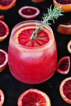 A recipe for sparkling blood orange winter cocktails. Enjoy the seasonal blood orange with vodka and sparkling lime water. Winter Cocktails, Summer Drinks, Bar Drinks, Cocktail Drinks, Cocktail Recipes, Sweet Cocktails, Beverages, Orange Party, Pina Colada