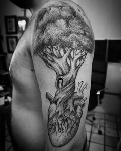 60 Family Tree Tattoo Designs For Men - Kinship Ink Ideas Family Tattoo Designs, Tree Tattoo Designs, Family Tattoos, Tattoo Designs For Women, Tattoos For Women Small, Life Tattoos, New Tattoos, Small Tattoos, Tatoos