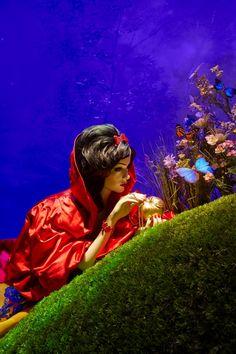 "Harrods ""Once Upon A Dream"" Disney Princesses Window Display 2012: Snow White (Snow White and the Seven Dwarfs) by Oscar de la Renta"