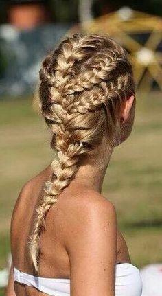 Coiffure : Hair rollers are now invisible! Beautiful Braids, Gorgeous Hair, Amazing Hair, Beach Braids, Summer Braids, Beach Hair, Braids For The Beach, Braids In Hair, Box Braids
