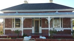 - Federation Double-Front Red Brick House with Cream Detail, Tiled Roof, Iron Bull-Nose Verandah & White Trim. Australia House, Australia Living, Bungalow House Plans, Dream House Plans, Australian Country Houses, Red Brick Exteriors, New Zealand Houses, Facade House, House Facades