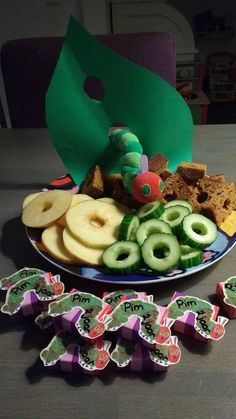 Healthy Birthday Treats, School Birthday Treats, Healthy Treats, Party Mottos, Food Policy, Hungry Caterpillar Party, Cute Food, Happy Kids, Diy Crafts For Kids