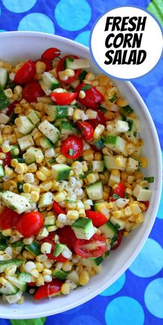 Fresh Corn, Zucchini and Tomato Salad recipe from RecipeGirl.com #fresh #corn #raw #tomato #zucchini #salad #summer #recipe #RecipeGirl Best Corn Salad Recipe, Salad Recipes Raw, Fresh Corn Recipes, Tomato Salad Recipes, Healthy Recipes On A Budget, Fun Easy Recipes, Healthy Eating Recipes, Healthy Cooking, Vegetarian Recipes